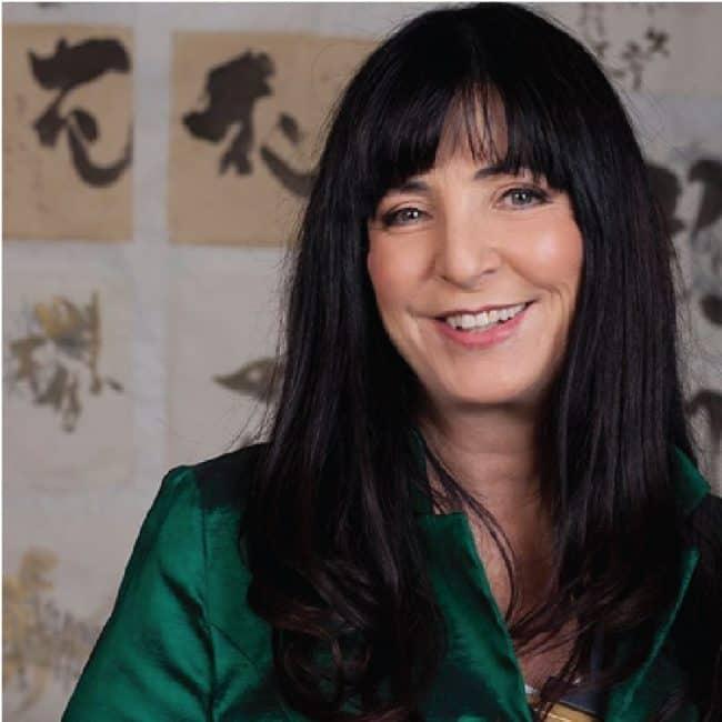 מעצבת פנים אסתי דינור ממליצה על קורס ספריית החומרים של שרון